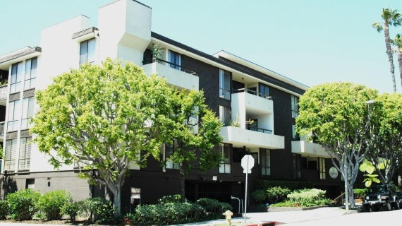 West Hollywood Living – SOLD