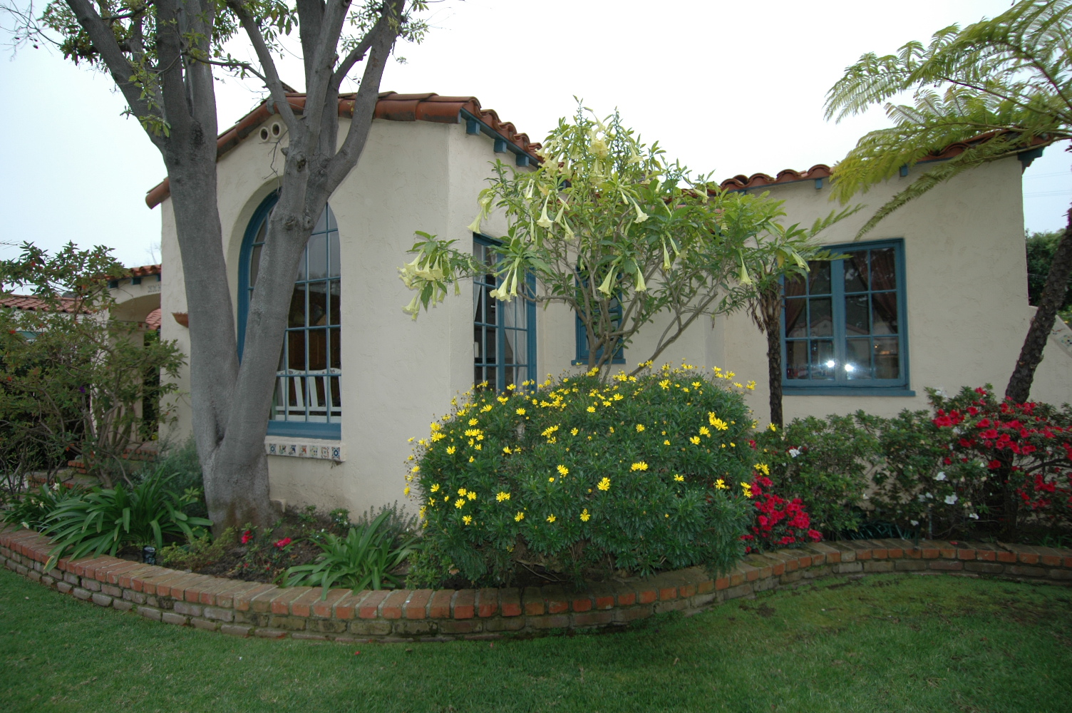 spanish with a guest house in mar vista u2013 sold real estate